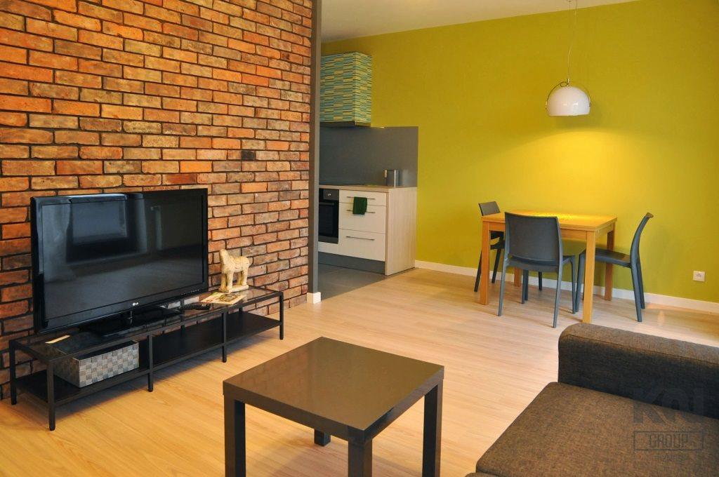 Mieszkanie 2 pokoje z garażem, ul. tylna !