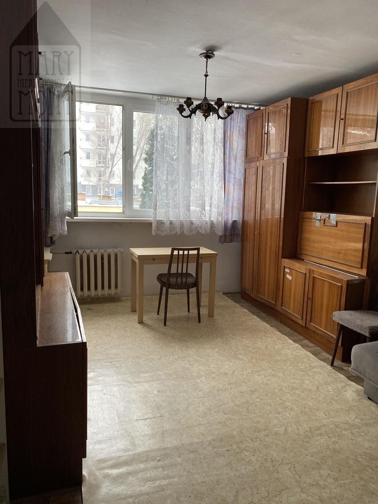 3 pokoje przy metrze na bielanach.