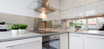 Ustawne, jasne, balkon, 2 pokoje, osobna kuchnia
