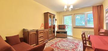 47m2, 3 pokoje z widną kuchnią, balkon, piwnica