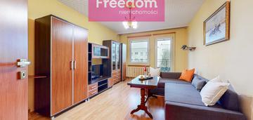 Przestronne i zadbane mieszkanie z balkonem