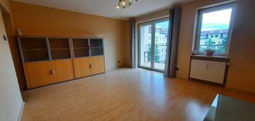 3 pokoje + kuchnia / duży balkon / blisko tramwaj