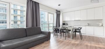 Trzy-pokojowe mieszkanie w platinum towers