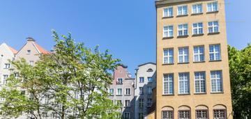 Mieszkanie z antresolą przy ul.długiej w gdańsku