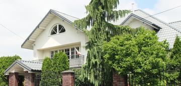 Dom w zielonce pod warszawą
