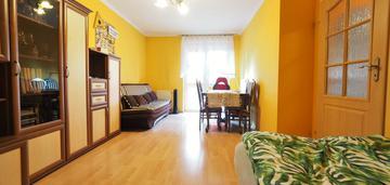 Dwa oddzielne pokoje, balkon, żabiniec