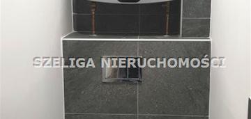 Okolice Placu Piastów, dwa balkony, c.o. w czynszu