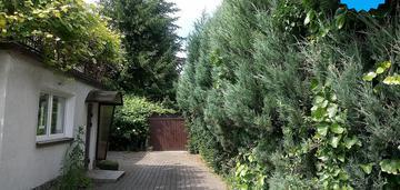 *dom wśród zieleni, gumieńce, 7 pokojów, taras, 2 garaże,