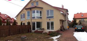 Dom w zabudowie bliźniaczej, blisko starówki