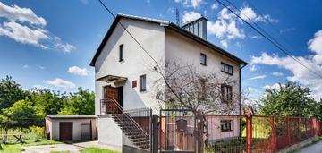 Dom z dużą działką w cichej i zielonej okolicy