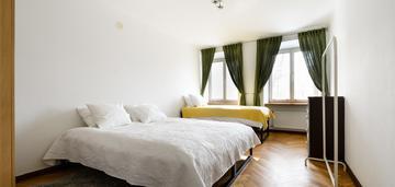 Inwestycyjne, stare miasto, 2 pokoje - 53 m2.