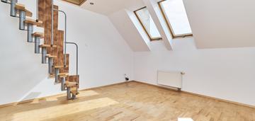 44 m2 + poddasze 20 m2 na oporowie - od zaraz