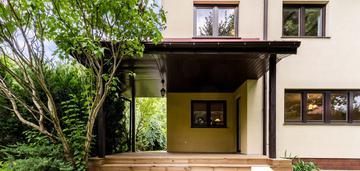 Dom 243 m2 w otoczeniu zieleni na białołęce