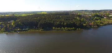 Działka nad brzegiem jeziora w gdańsku osowej.