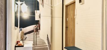 Apartament / 2 pokoje z parkingiem i piwnicą