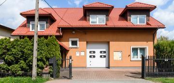 Budynek usługowo-mieszkalny z halą o pow.150m2