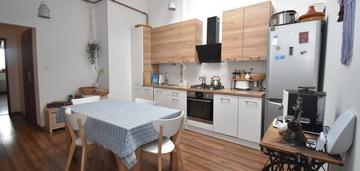 Plac litewski-3 pokoje - 94 m2 po podłodze!