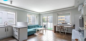 2 pokoje, 2012, duży balkon, m. postojowe, klima