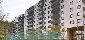 Mieszkanie w budynku z 2008 roku przy metrze