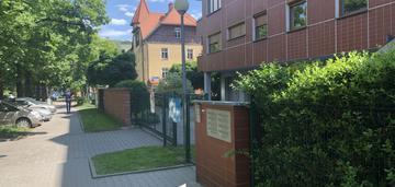 Dwupoziomowe mieszkanie wśród zieleni i krzyki