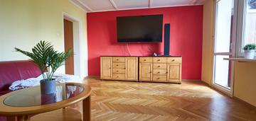 3 oddzielne pokoje, widna kuchnia i duża loggia !