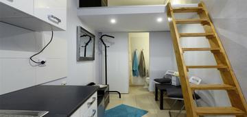 Stare podgórze - pokój z oddzielną kuchnią