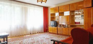 1 piętro, 3 pokoje, dobra lokalizacja