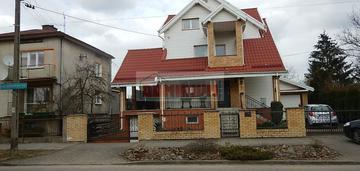 Atrakcyjny dom na osiedlu Pietrasze