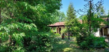 Parterowy dom z sauną i dużym ogrodem