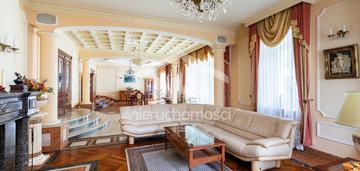 Rezydencja w stylu pałacowym, basen, sauna, bar