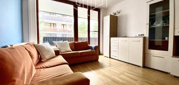Mieszkanie dla rodziny z loggią i tarasem, ochrona