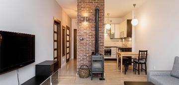 Piękne 2-pokojowe mieszkanie z kominkiem