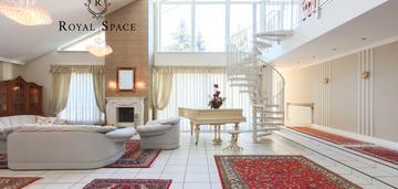 Dom w stylu klasycznym z sauną i pięknym ogrodem