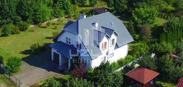 Zadbany dom kokoszkowy ul. zielona