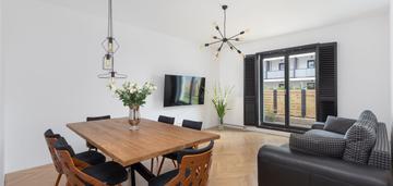 Rozkładowe mieszkanie z ogródkiem na bliskiej woli