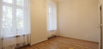 Mieszkanie na sprzedaż/62m2/podwale/kamienica