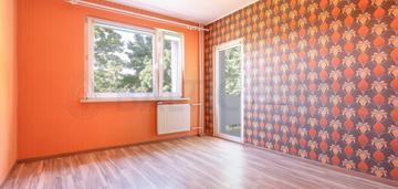 Pierwsze piętro na ul.gierosa/rumia (2 pok).