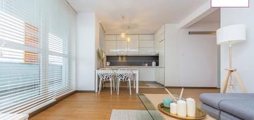 Piękny, 3 pokojowy apartament z widokiem na morze.