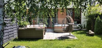 Mieszkanie bezczynszowe w części domu z ogrodem