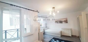 Długa/2 oddzielne pokoje/balkon
