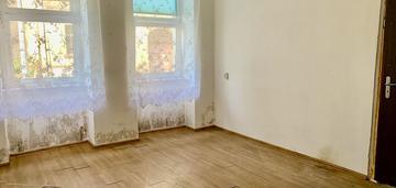 2 pokoje, najniższa cena, do generalnego remontu!