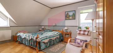 Dwupoziomowe mieszkanie z garażem i 2 piwnicami