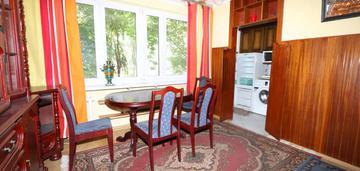 2-pokojowe mieszkanie; m. postojowe, piwnica