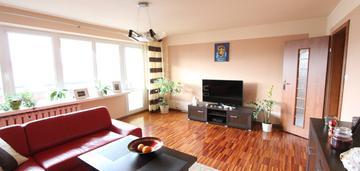 Przestronne mieszkanie w dobrej lokalizacji !!!
