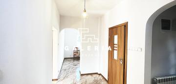 Wolnostojący dom po generalnym remoncie | stawki