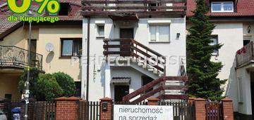 Dom w zabudowie szeregowej na maślicach