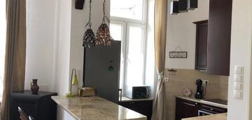 Mieszkanie po remoncie w kamienicy_centrum_ul hoża