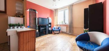 2 pokoje w zadbanej kamienicy do własnej aranżacji
