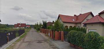 Międzylesie, dom 322 m2, dz. 640 m2, 7 pok., 2003