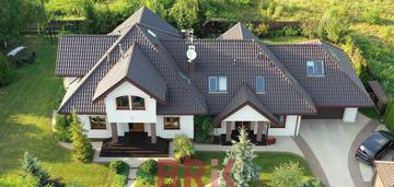 Dom jednorodzinny dwupokoleniowy